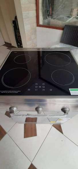 Vendo cocina de inducción 4 quemadores completamente nueva