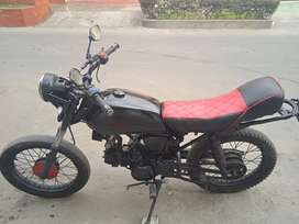 Vendo moto perfecto estado, motor ok, luces ok, sin soat.