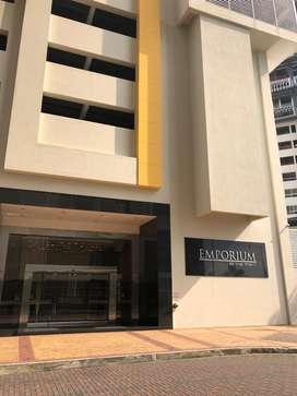 Oficina de alquiler en Puerto Santa Ana, Edificio Emporium.