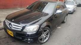 Hermoso Mercedes Benz c200 Kompressor modelo 2008 en excelentes condiciones