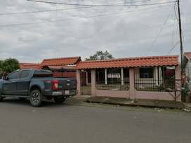 CASA IMPECABLE EN VENTA EN SIQUIRRES LIMON