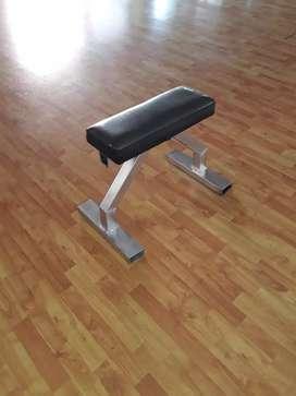 Vendo bancos de gimnasio,plano,inclinado,hombros,biceps,dorsalera,columna con polea para gluteos,triceps .etc segunda mano  Rosario, Santa Fe