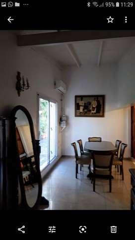 Vendo Casa 148 m2 con 3 habitaciones amplias, cocina, comedor, living, patio, baño con posibilidad de un segundo, garage