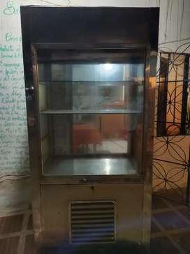 Vendí vitrina refigeradora de pudín y postres en acero inoxidable
