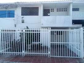 Se vende casa de dos plantas bien ubicada barrio silencio.