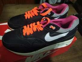 Zapatillas importadas nuevas en caja talle 38 y medio