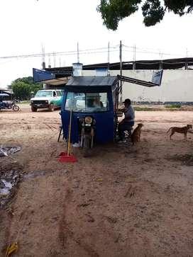 Moto furgón fast food comida rapida