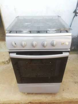 Cocina con horno y gratinador