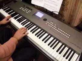 Sintetizador / Piano electrónico de 88 teclas Yamaha MM8