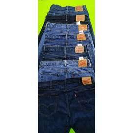 Jeans levis diferentes tallas, usados en perfect estado
