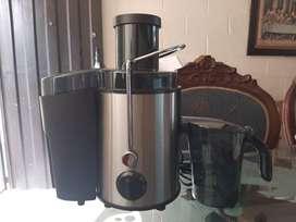 EXTRACTOR DE JUGOS 500 Watts de potencia (No se ha usado), referencia 26552.