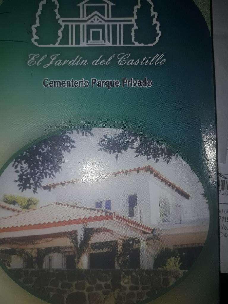 Parcela en Cementerio Jardín Del Castill 0
