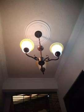 Lámpara de tres briseres en muy buen estado