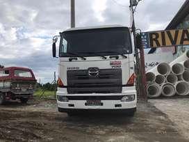 Camion Hino 700 año 2014 flamante