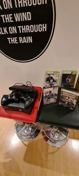 Xbox 360 + Batería 2 guitarras Rockband + juegos