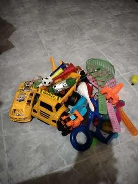 Se vende juguetes de niño