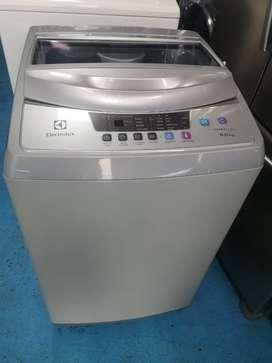 Venta de  lavadora marca Electrolux poco uso 8 kilos. Con garantía