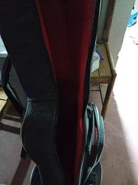 Vendo mi guitarra acustica