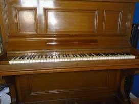 Piano Vertical Ortiz & Cusso