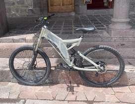 Vendo bicicleta doble suspension Norco.