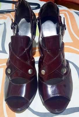 hermoso zapatos en charol