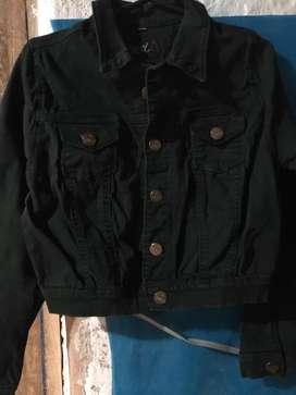 Casaca jean color verde oscuro