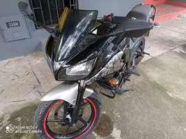 Se vende moto Yamaha Fazer por cambio de moto