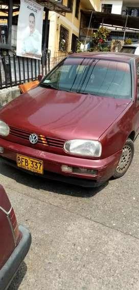 Volkswagen golf  modelo 98 papeles al día