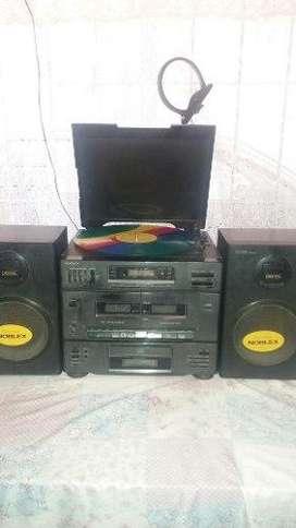 Equipo de Musica Centro Musical Noblex CDTocadisco CassetteRadio Control remoto