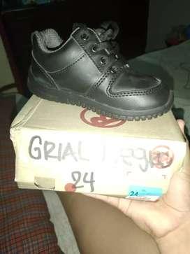 Vendo zapatos colegiales  Bubble gummers