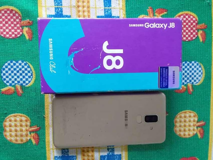 Samsung Galaxy j8 con pantalla fisurada no afecta su funcionamiento 0