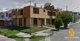SOLUCIONES INMOBILIARIAS Vende Casa en Esquina Urb. Puerta Verde