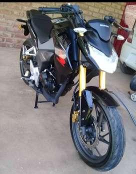 Titular vende Honda CB 190R