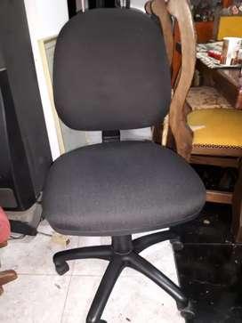 silla de escritorio negra