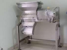Máquina desmechadora industrial para carne y pollo.