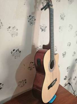 Vendo hermosa guitarra electroacústica