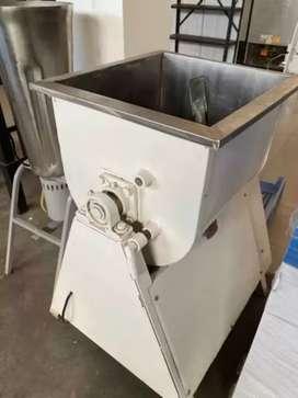 Ofrezco servicio de reparación y fabricación de máquinas industriales