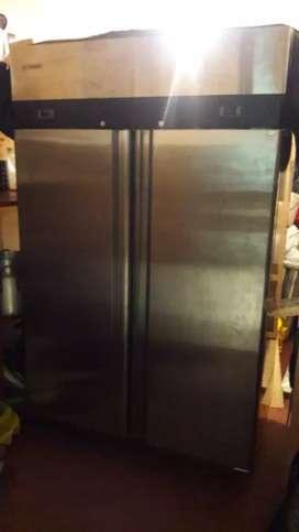 Nevera refigerante para restaurante