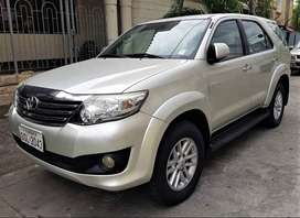 Toyota Fortuner 2014 automático 4x4 full equipo