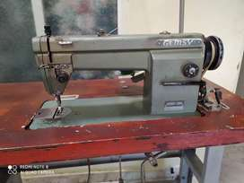 Maquina de coser GEMSY plana.