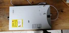 Calentador de agua 13 litros Haceb de paso a gas natural tiro forzado blanco