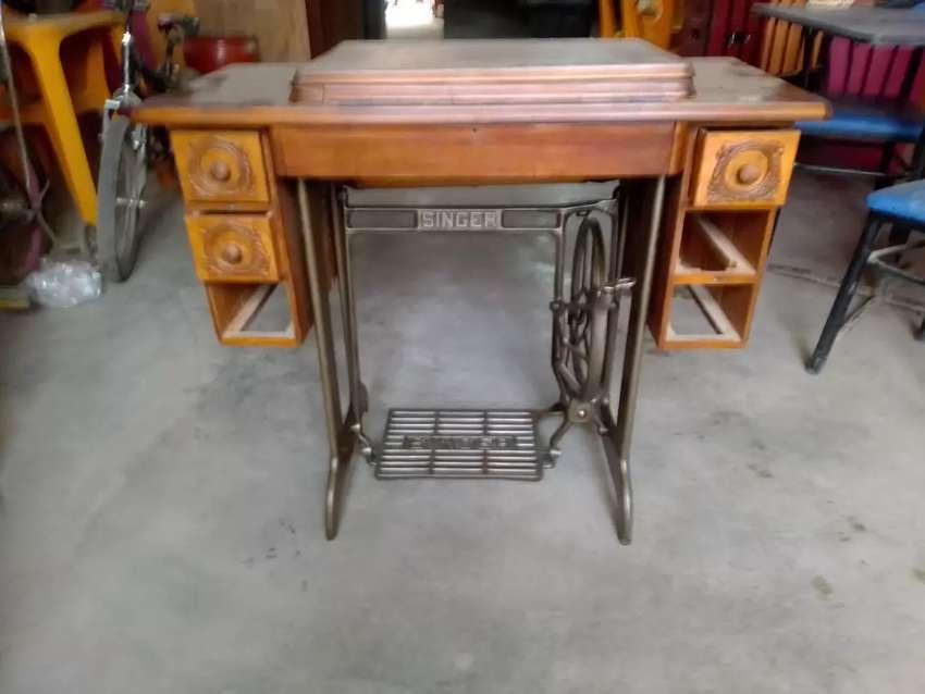 Mueble de máquina con su 0