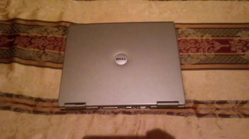 Laptop marca Dell 0