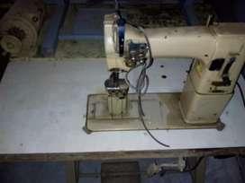Maquina coser poste