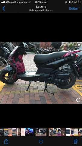 Vendo moto dinamyc 125 año 2015 negociable