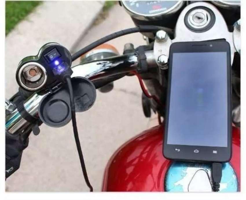 ADAPTADOR TOMA Cargador 12v Usb 5v Moto Gps Celular Redonda 0
