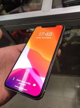 iPhone X 64GB, At&t 10/10