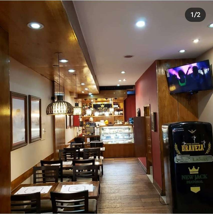 VENDO EXCELENTE CAFE RESTAURANTE SOBRE PEATONAL FUNCIONANDO 0