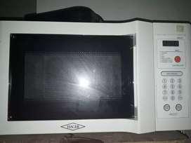 Se vende horno microondas