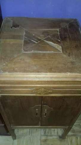 Mueble con pueta